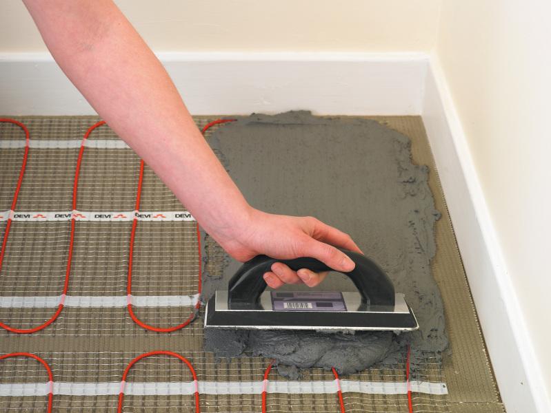 Тёплый пол под плитку в ванной своими руками видео